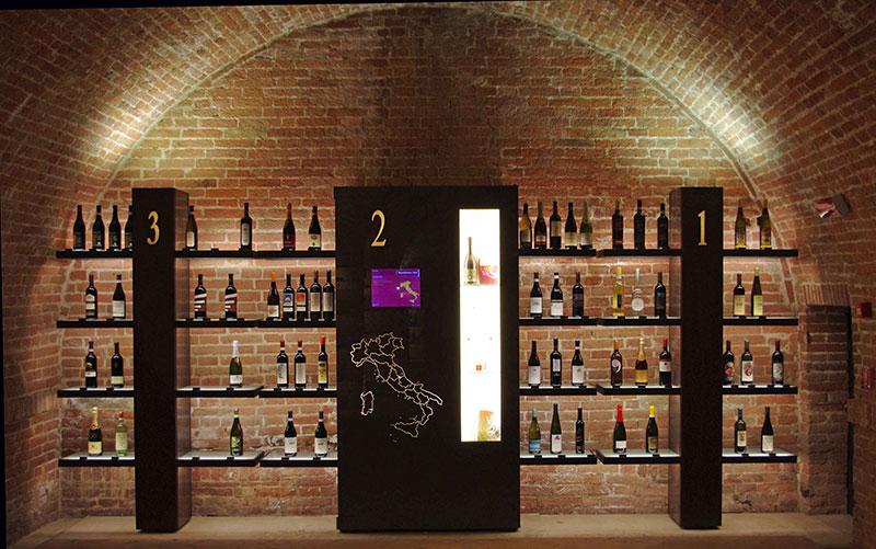 Enoteca del vino a Siena