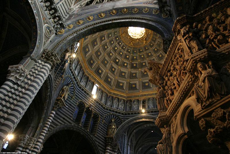 L'interno del Duomo di Siena