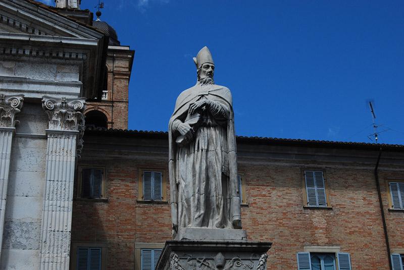 Piazza Urbino