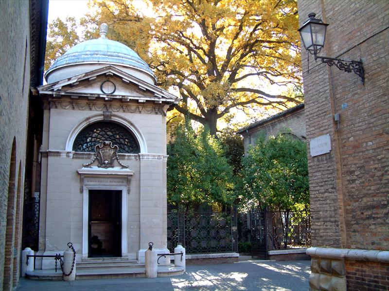 Ravenna - tomba di dante