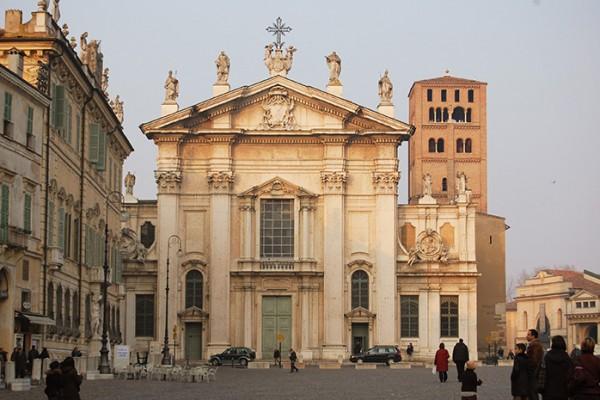 Duomo_di_Mantova