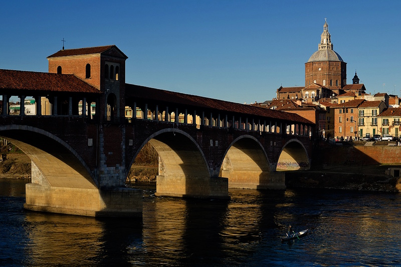 Discovering Pavia and Oltrepò hills through vineyards and churches