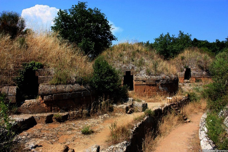 Discover the Etruscan civilization in Tarquinia and Cerveteri