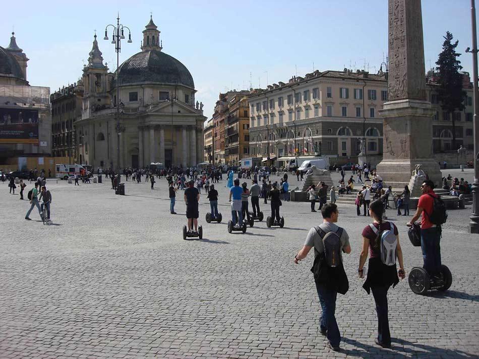 Segway-in-Piazza-del-Popolo-Rome