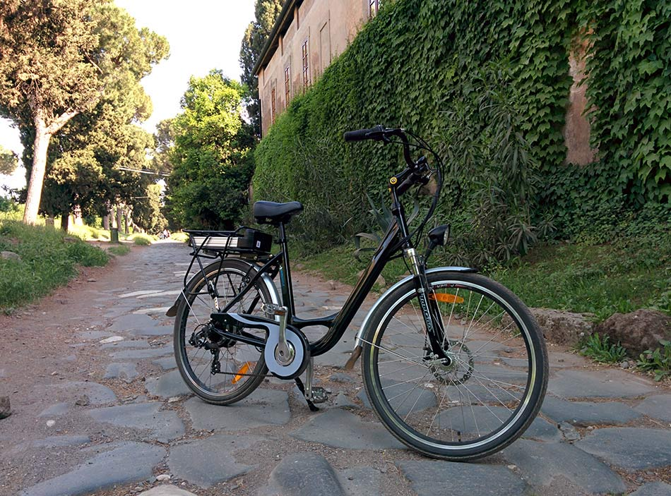 electric bike rental in Rome